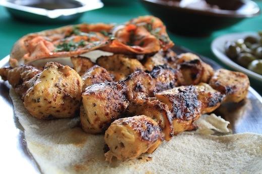 la pinede koura kousba liban brochettes de poulet