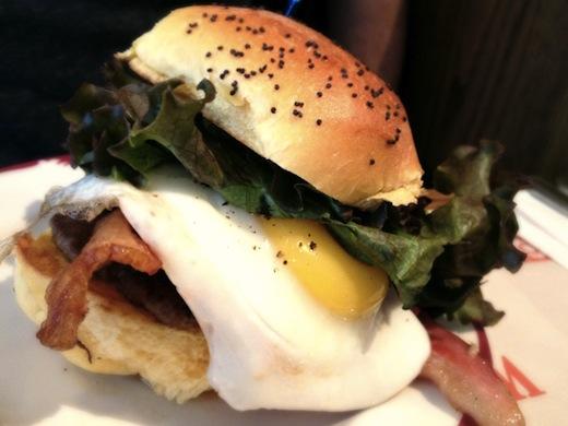 burger dejeuner nouveau palais