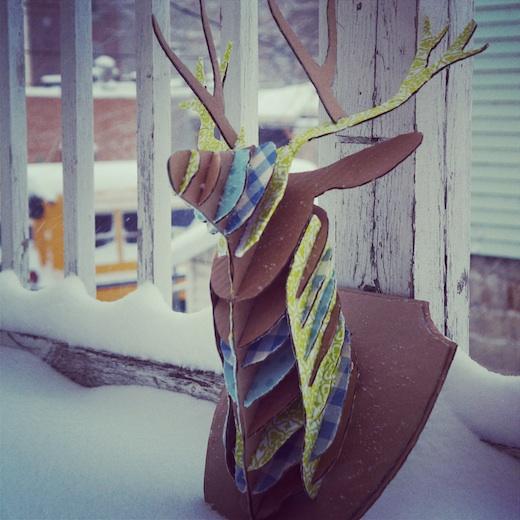(ré)création #1 – Un trophée tête de cerf en carton