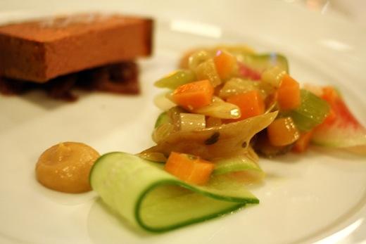 MTL a TABLE Mousse de foie de volaille et legumes de saison Toque