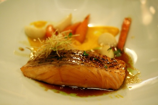 MTL a TABLE saumon confit et brule au sirop derable Toque
