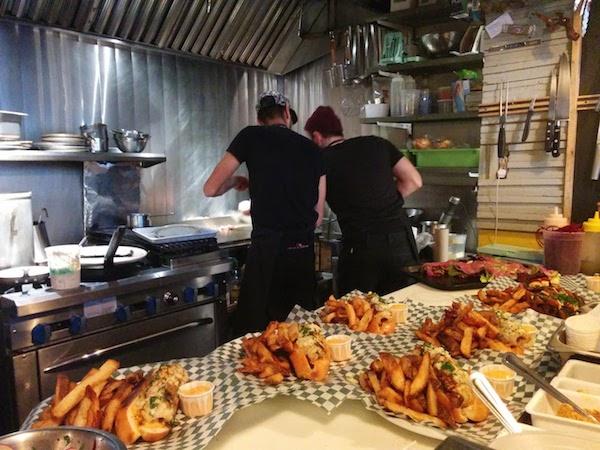 restaurant mile ex montreal