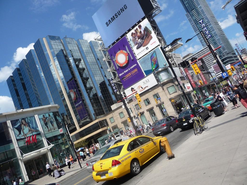 Toronto_Eaton_Centre