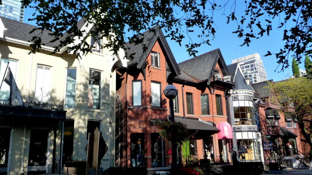 Toronto_Hazelton_Avenue