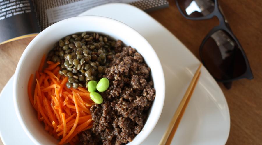 «Power bowl» et poké : la tendance plat en-bol encercle Montréal