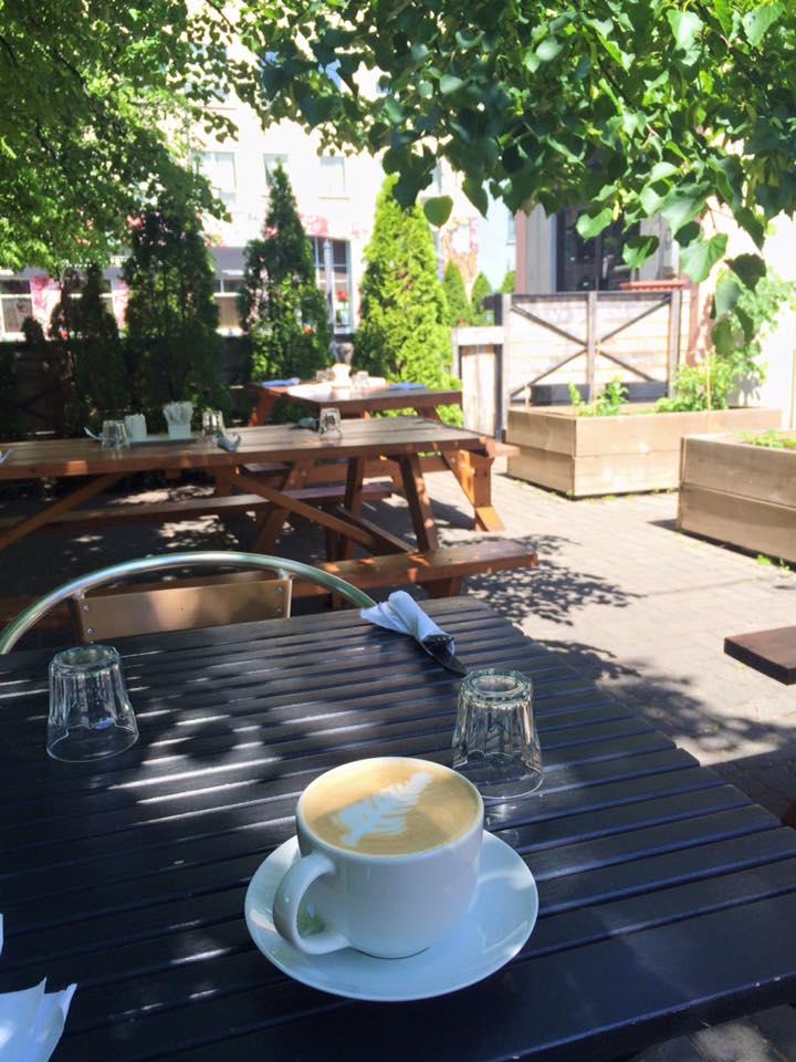 brunch terrasse montreal passe compose village