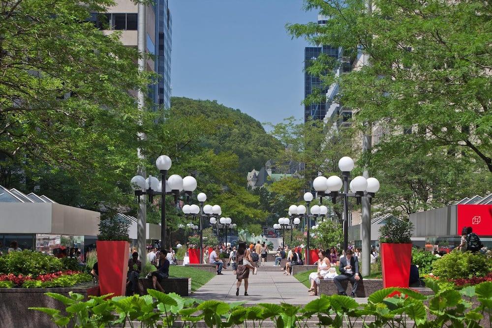 marche montreal esplanade ville marie