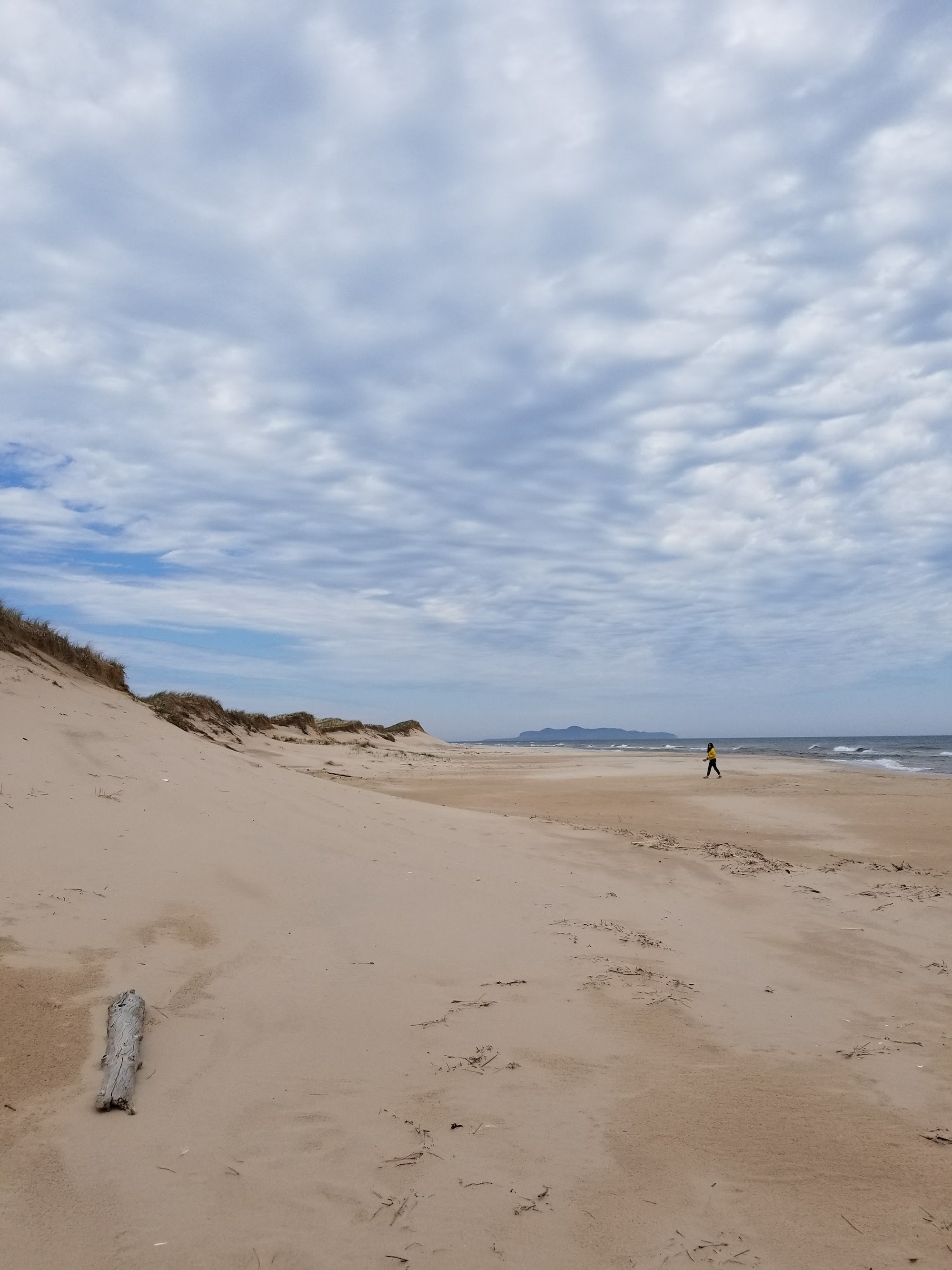 Les Iles de la Madeleine plage du sandy hook 3-min