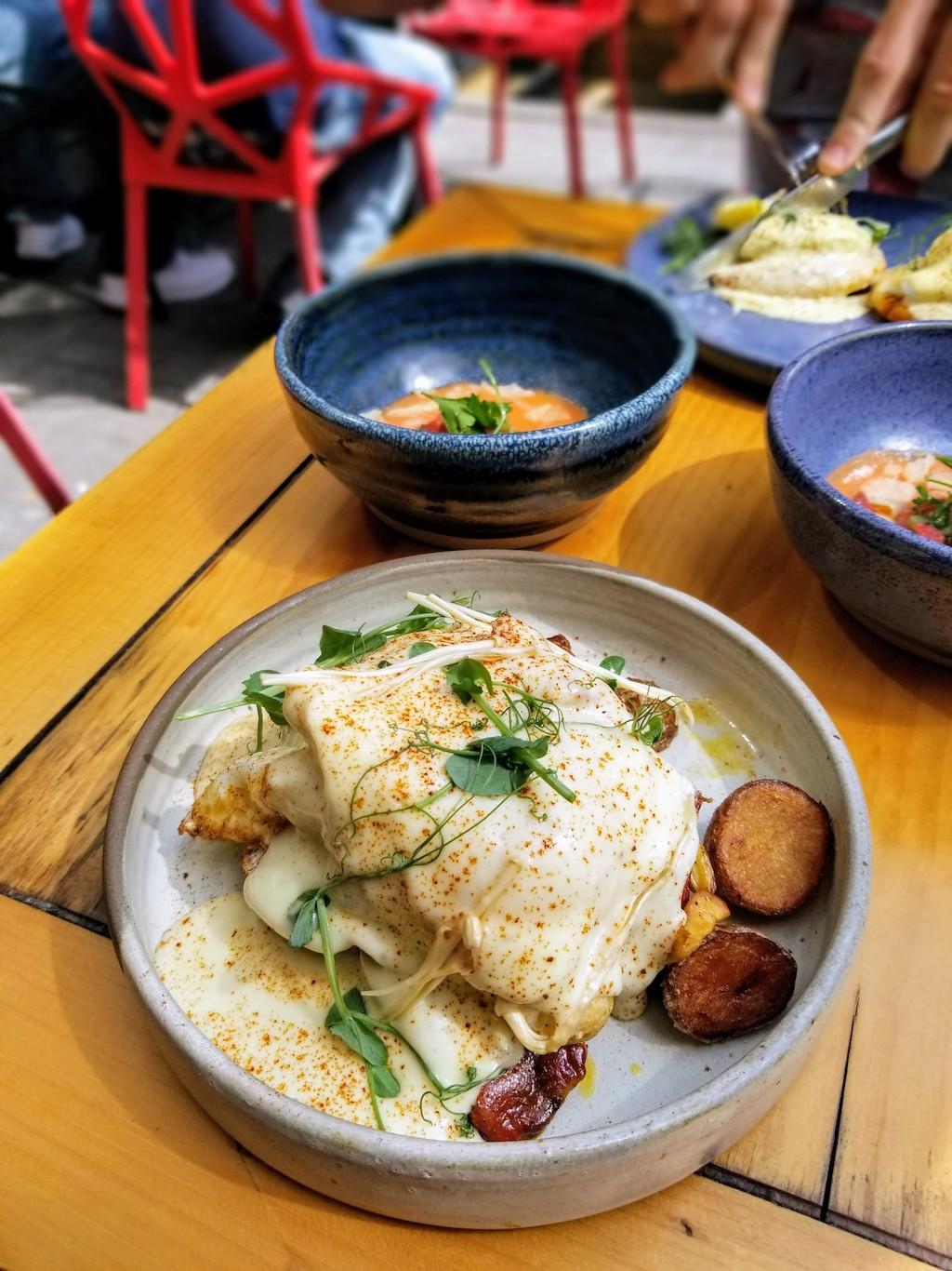 huevos rotos ibericos brunch montreal